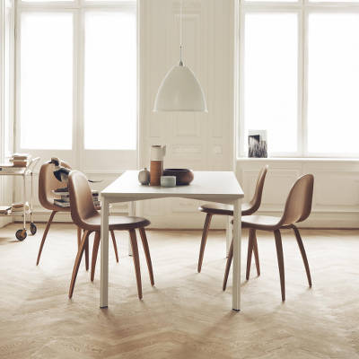Y! table Gubi Chair